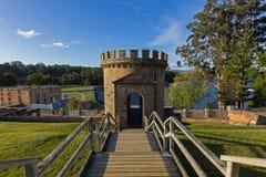 La garde Tower comme ruine sur la colline de règlement au port Arthur Hist Images libres de droits