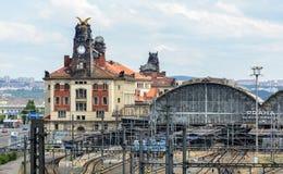 La gare ferroviaire centrale principale est la plus grande et la plus importante jonction ferroviaire de Prague et la totalité de photos stock
