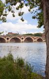 La la Garonna del fiume di Tolosa del ponte di Pont Neuf fotografie stock