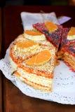 La gaufre durcit avec du lait condensé et des oranges Image libre de droits
