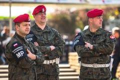 La gendarmería militar durante la publicación anual del día nacional y festivo polaco el día de la constitución del 3 de mayo Foto de archivo libre de regalías