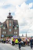 La gente agghindata come zombie partecipa alla parata annuale della passeggiata dello zombie a Stoccolma, Svezia fotografia stock libera da diritti