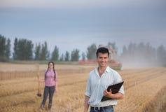 La gente al raccolto Fotografia Stock Libera da Diritti