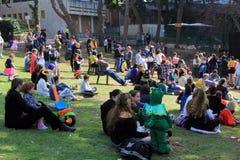 La gente alla celebrazione di Purim a Haifa Fotografia Stock