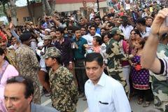 La gente alla cerimonia del confine di Attari Fotografia Stock