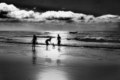 La gente alla spiaggia di Jericoacoara nel Brasile Fotografia Stock