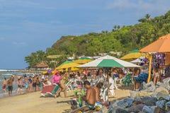 La gente alla spiaggia in Pipa, Brasile Fotografia Stock
