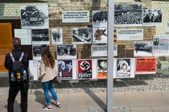 La gente alla topografia del tedesco di terrore: DES Ter di Topographie fotografie stock libere da diritti