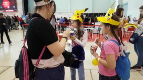 La gente asiste al festival de Japón del poder de Hinode metrajes