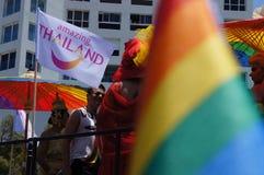 La gente assiste al gay pride fotografia stock