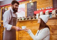 La gente in caffè immagine stock libera da diritti