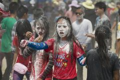 La gente celebra a Lao New Year en Luang Prabang, Laos Fotografía de archivo