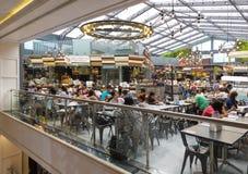 La gente cena en el centro de Tailandia, Bangkok, Tailandia Foto de archivo
