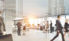 La gente che cammina nell'ufficio Paesaggio urbano sulla priorità alta, tonificata Immagine Stock Libera da Diritti