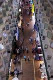 La gente che cammina sulla passeggiata di Silja Symphony cruiseferry Immagine Stock Libera da Diritti