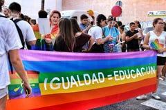 La gente che celebra gay pride in Spagna Fotografie Stock