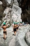 La gente che fa un'escursione in Saklikent Fotografia Stock Libera da Diritti