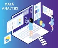 La gente che lavora al computer e che analizza concetto isometrico del materiale illustrativo di dati illustrazione di stock