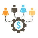 La gente che lavora insieme per costituire un fondo per le idee online differenti con Mone Immagine Stock Libera da Diritti