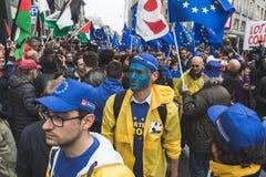 La gente che partecipa alla parata di giorno di liberazione Fotografia Stock Libera da Diritti