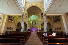 La gente che prega alla cattedrale del ` s di St Mary, Victoria Square, in pe Fotografia Stock Libera da Diritti