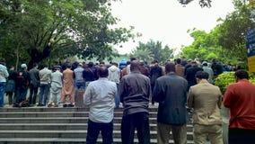 La gente che prega nella moschea della Cina Fotografie Stock Libere da Diritti
