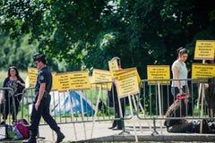 La gente che protesta la CEDU del Corte europea dei diritti dell'uomo durante Immagine Stock Libera da Diritti