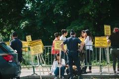 La gente che protesta la CEDU del Corte europea dei diritti dell'uomo durante Fotografie Stock Libere da Diritti