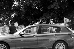 La gente che protesta la CEDU del Corte europea dei diritti dell'uomo durante Fotografia Stock Libera da Diritti