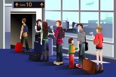 La gente che si imbarca sull'aeroplano al portone Fotografia Stock Libera da Diritti