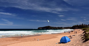 La gente che si rilassa sulla spiaggia di Mona Vale Fotografie Stock Libere da Diritti