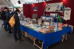 La gente che visita convenzione di Festival del Fumetto a Milano, Italia Immagine Stock Libera da Diritti