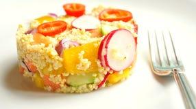 Pasto del vegano: piatto del miglio con le verdure Fotografia Stock