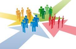 La gente conecta la reunión en la punta de reunión de las flechas