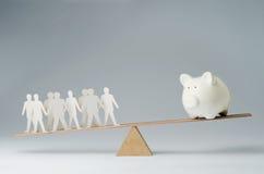 La gente contro soldi Fotografie Stock