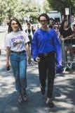 La gente de moda en el ` s de Milan Men forma semana Imagen de archivo