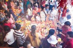 La gente de PHNOM PENH celebra Año Nuevo chino Imagen de archivo libre de regalías