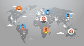 La gente del collegamento di rete internet di concetto della mappa di mondo di Media Communication del sociale Fotografia Stock Libera da Diritti