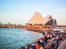 La gente del partito al teatro dell'opera di Sydney Fotografia Stock Libera da Diritti