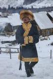 La gente del Tuva, una delle minoranze in Cina, eseguente un rito religioso nel villaggio di Hemu Immagini Stock