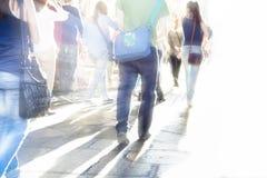 La gente della strada affollata Immagine Stock