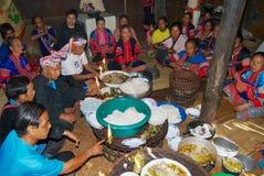 La gente della tribù della collina di Lahu Muser celebra l'estremità del riso che raccoglie la stagione in Mae Hong Son, Tailandi fotografia stock libera da diritti