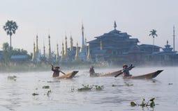 La gente della tribù di Intha in Myanmar Immagini Stock Libere da Diritti