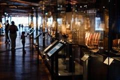 La gente dentro il museo tedesco di tecnologia Deutsches Techni Immagini Stock Libere da Diritti