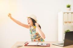 La gente di affari felice eccitata celebra Fotografia Stock