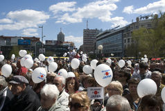 La gente di Belgrado che supporta Japan-1 Fotografie Stock Libere da Diritti