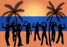La gente di Dancing alla spiaggia Fotografia Stock