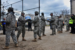 La gente di guide dei soldati del blu marino degli Stati Uniti Fotografie Stock Libere da Diritti