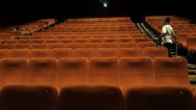 La gente di Unrecognize cinema 21 dentro un centro commerciale XXI i cinema ? i secondi fotografie stock