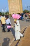 La gente di vendite all'offerta del portone dell'India Fotografia Stock Libera da Diritti
